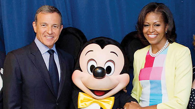 Iger and Obama pose with Mickey Mouse